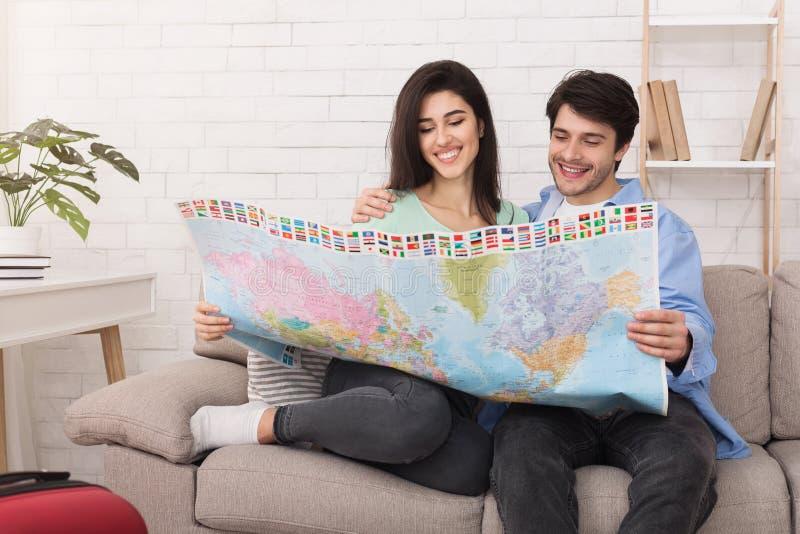 愉快的加上选择旅行的地图地方 库存图片