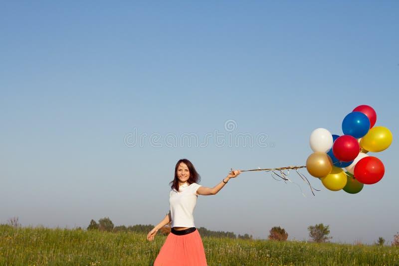 愉快的夏天妇女 免版税库存照片