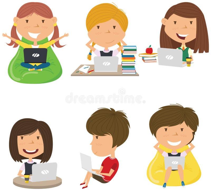 愉快的女孩用计算机学会并且做家庭作业 免版税库存照片