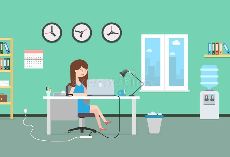 愉快的妇女与膝上型计算机一起使用 办公室内部和工作场所 皇族释放例证