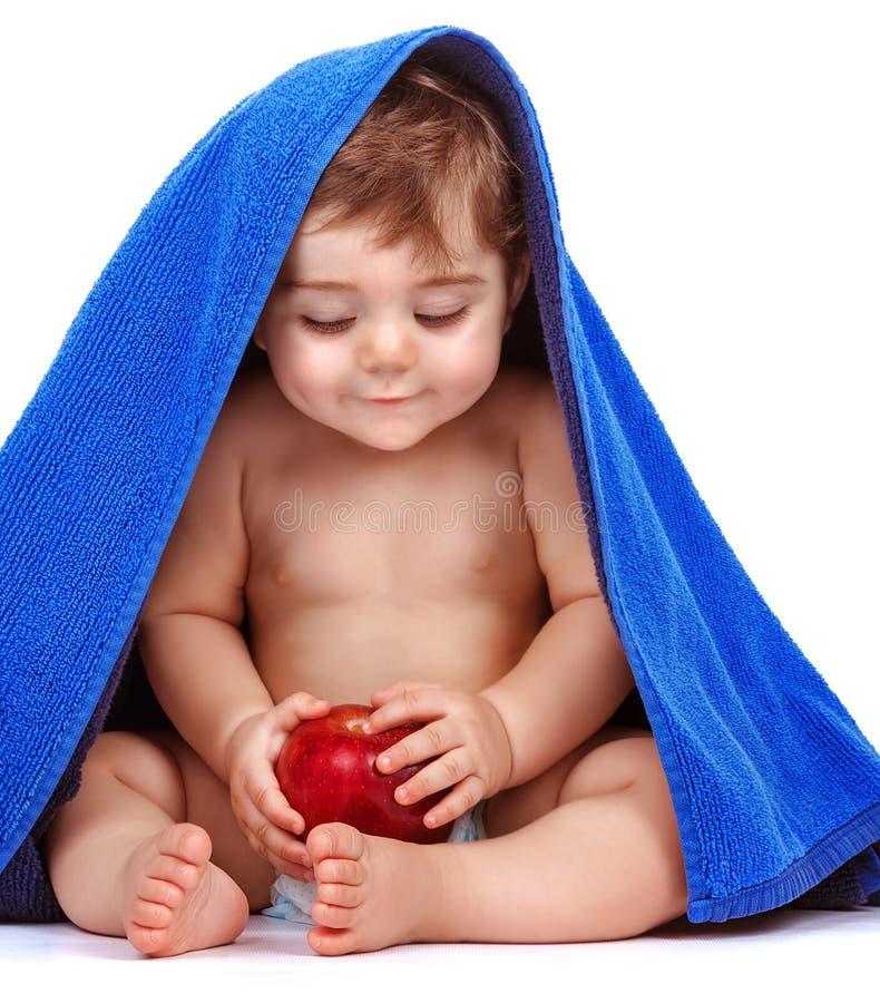 愉快的孩子用新鲜水果 免版税图库摄影