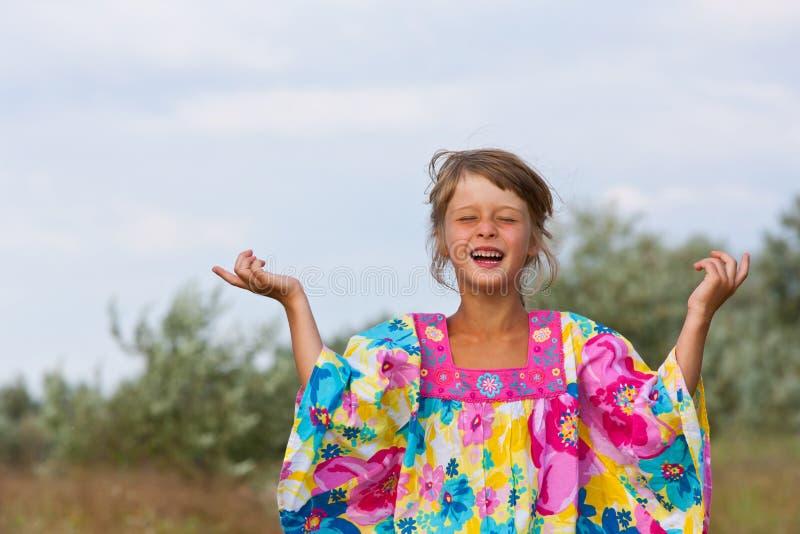愉快的小女孩 图库摄影