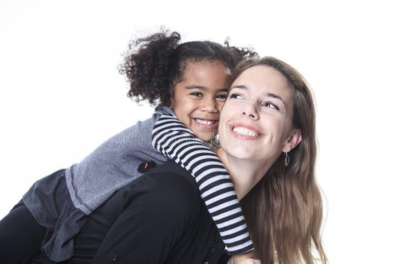 愉快的快乐的非洲家庭画象  库存照片