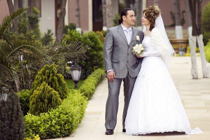愉快的新娘 免版税库存照片