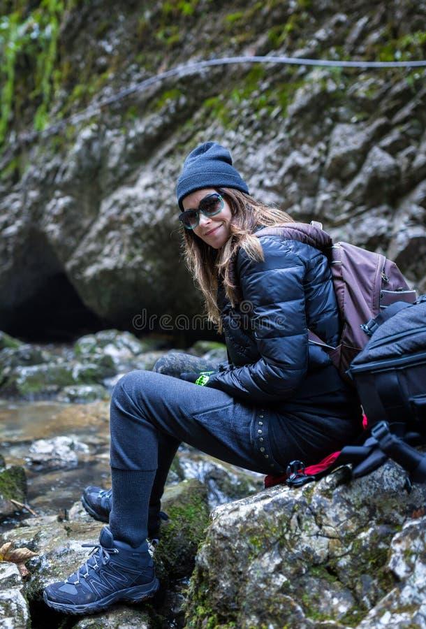愉快的旅游夫人 图库摄影