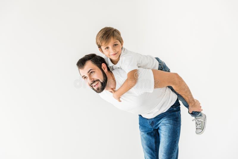 愉快的父亲和儿子一起 免版税库存照片