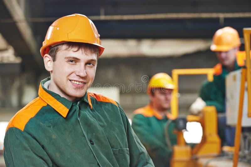 愉快的电工工程师工作者 免版税图库摄影