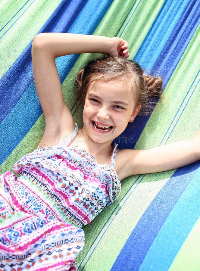 愉快的笑的女孩 库存图片