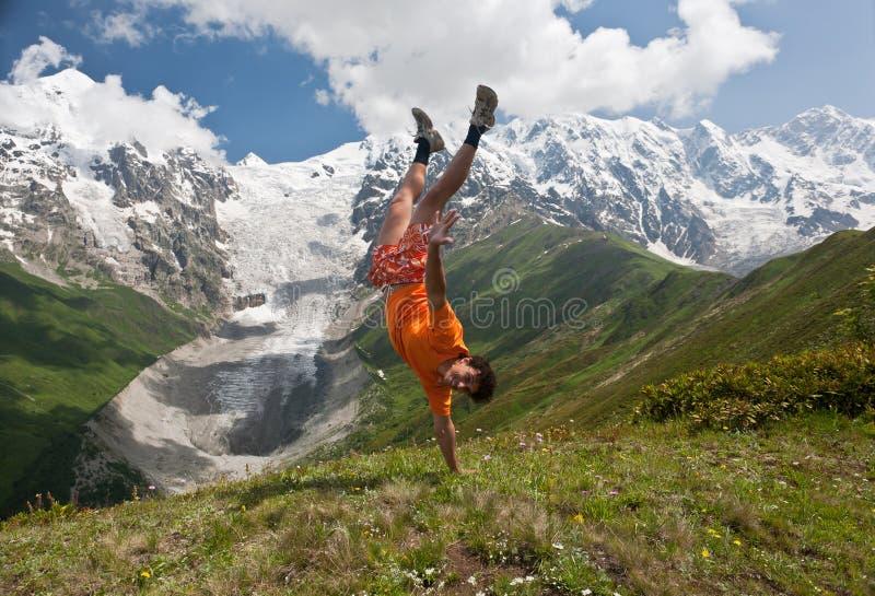 愉快的远足者。 免版税库存照片