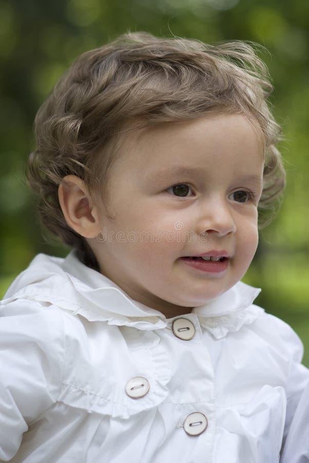 Download 愉快的婴孩 库存图片. 图片 包括有 全能, 室外, 无罪, 笑声, 白种人, 幸福, 情感, 喜悦, 子项 - 72358317
