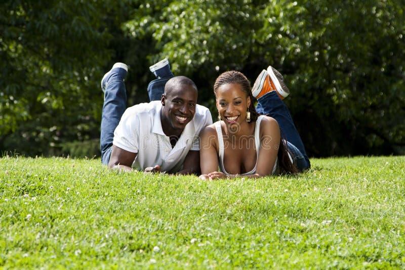 愉快非洲的夫妇 免版税图库摄影