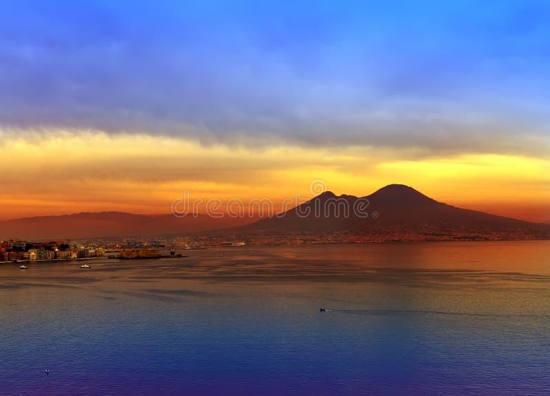 意大利。Naples.Landscape海湾  免版税库存图片