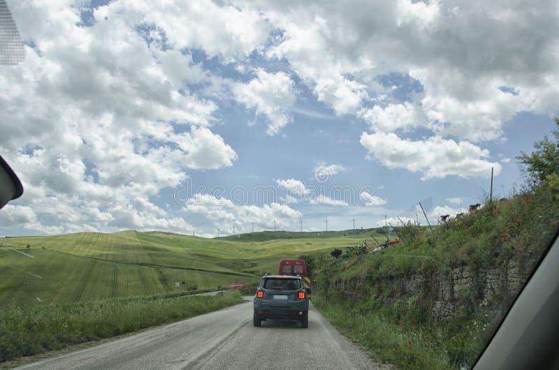 意大利乡下公路 免版税图库摄影