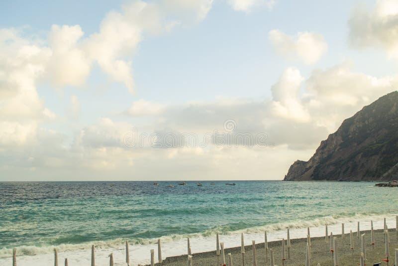 意大利五渔村的Spiaggia di Fegina海滩和沙滩 库存图片