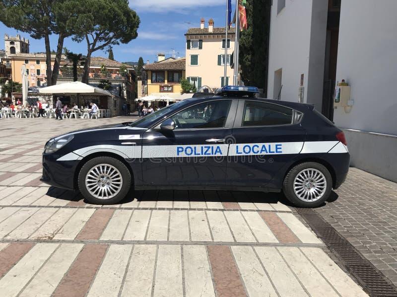 意大利人阿尔法・罗密欧Giulietta当地警察汽车 免版税图库摄影