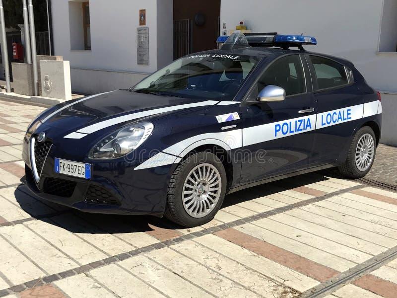 意大利人阿尔法・罗密欧Giulietta当地警察汽车 免版税库存图片