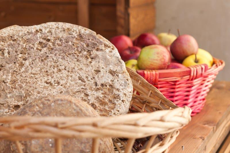 意大利传统干酪 免版税库存照片