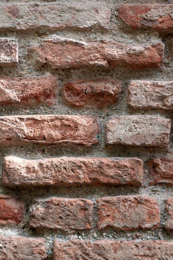 意大利古老房子:典型的石墙 免版税库存图片