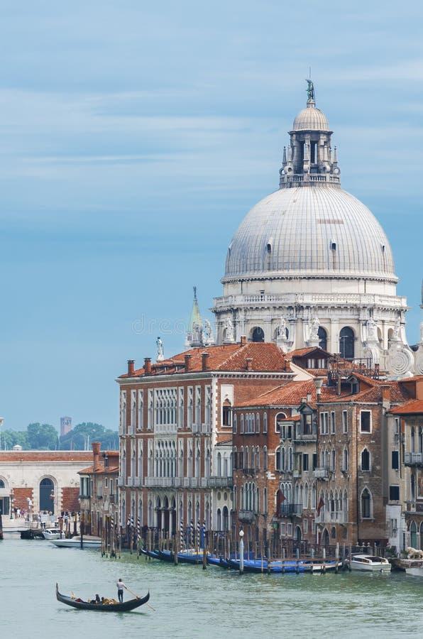 Download 意大利威尼斯 库存照片. 图片 包括有 长平底船, 旅游业, 都市风景, 意大利语, 横向, 美国鹅掌楸 - 59110132