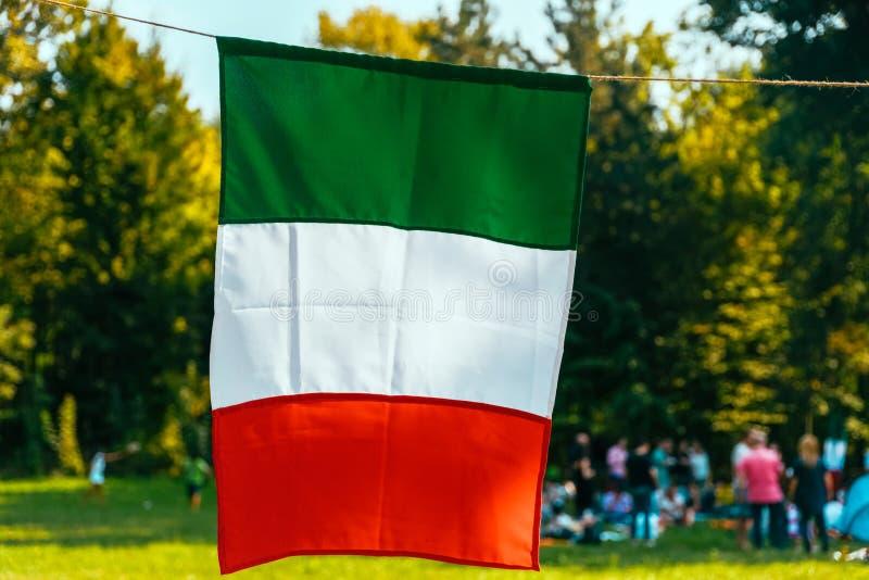 意大利旗子红色,白色和绿色 免版税库存图片
