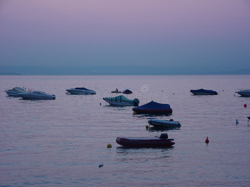 Download 意大利日落 库存图片. 图片 包括有 海运, 黑暗, 通知, 日落, 活动, 定期, 小船, 平安, 晚上, 天空 - 65725