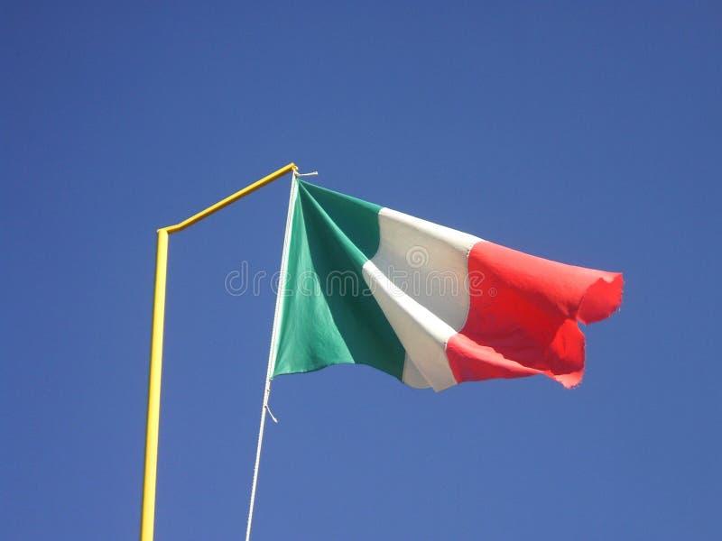 意大利沙文主义情绪在蓝天 免版税库存照片