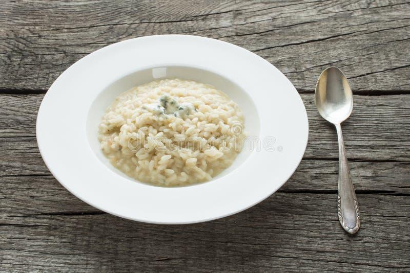 意大利煨饭用戈贡佐拉乳酪 免版税图库摄影