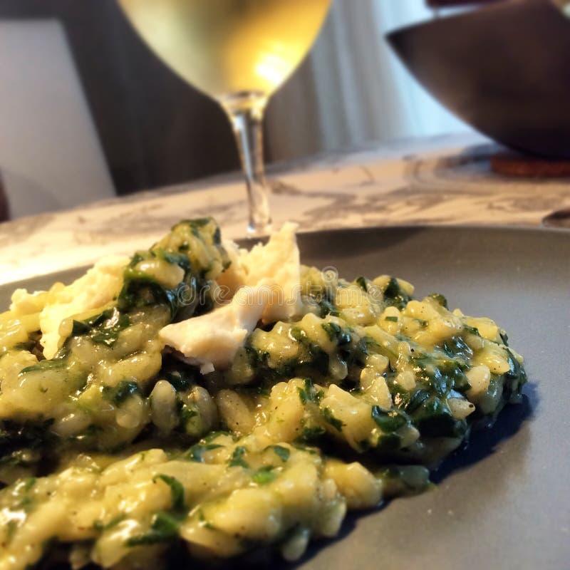 意大利煨饭用菠菜 库存照片