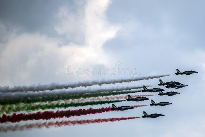 意大利特技队Frecce Tricolori 免版税库存图片