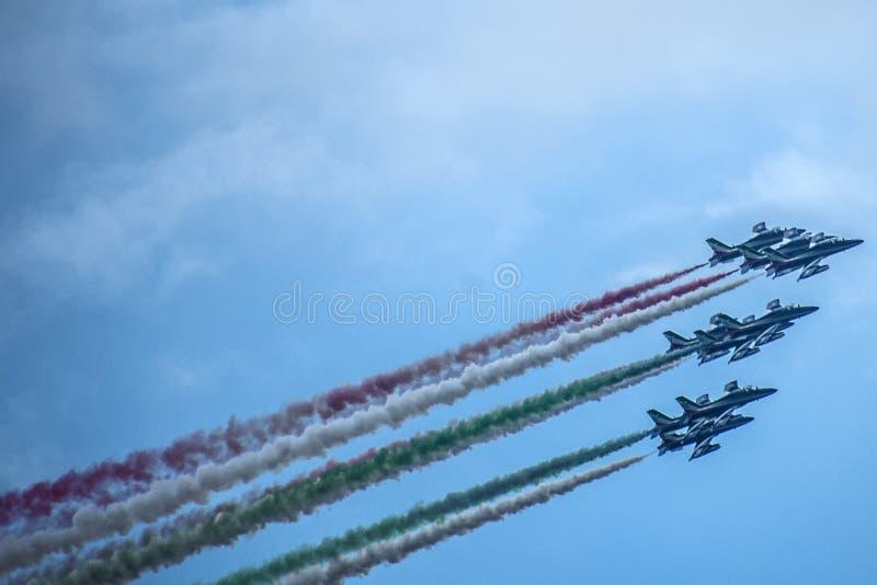 意大利特技队Frecce Tricolori 免版税库存照片