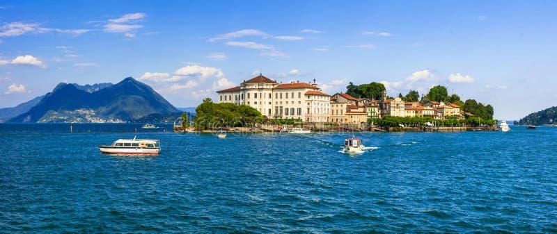 意大利的美丽的湖-风景拉戈马吉欧雷,Borromean海岛 免版税库存照片