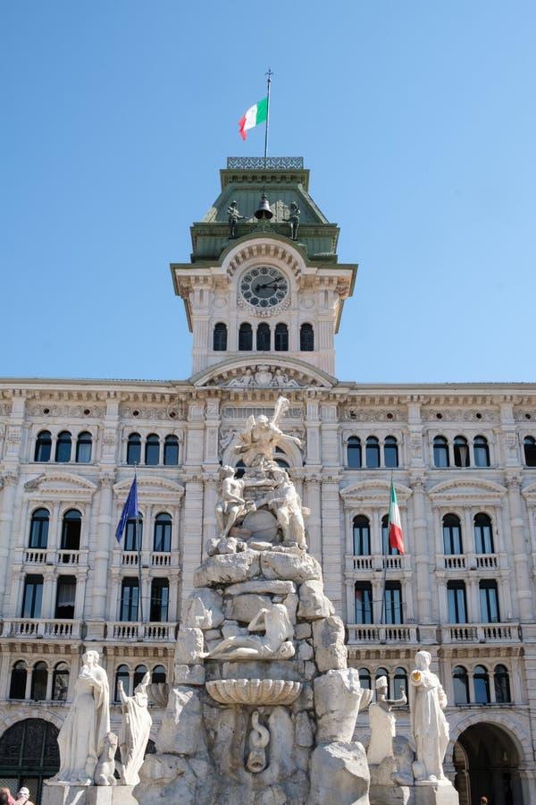 意大利的里雅斯特,广场UnitÃ,四个大陆的喷泉 库存照片