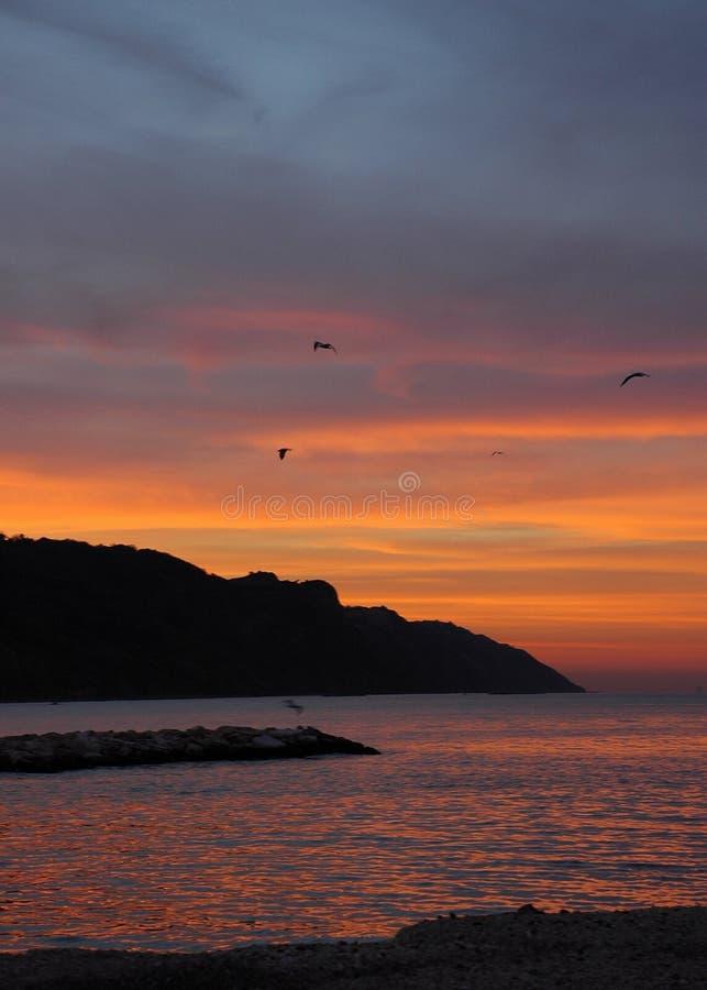 意大利红色天空日落 库存照片
