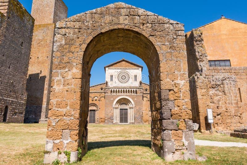意大利维泰博市图斯卡尼亚:圣彼得教堂外 库存图片