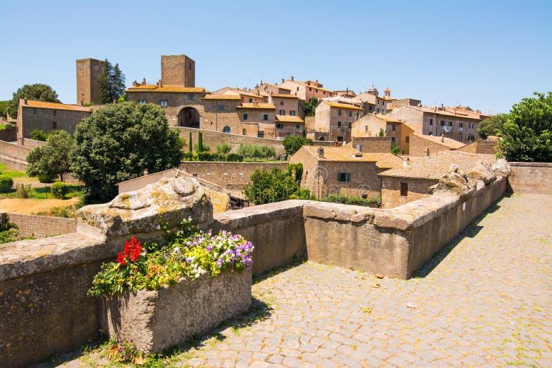 意大利维泰博市图斯卡尼亚:用伊特鲁里亚石棺观察城市 库存图片