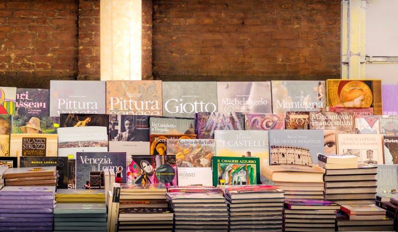 意大利艺术在书摊预定在罗马 免版税库存照片
