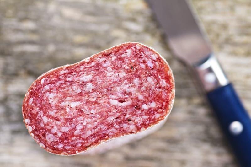 意大利蒜味咸腊肠 免版税库存照片