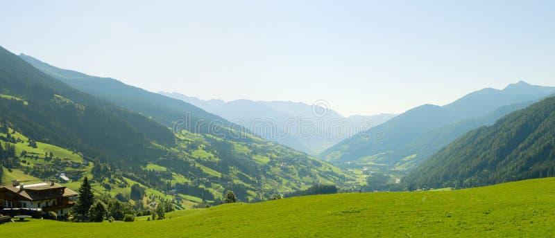 意大利阿尔卑斯美好的风景  免版税库存图片