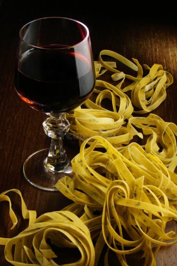 意大利面食酒 免版税库存图片