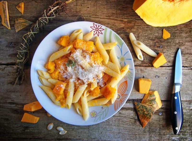 意大利食物- Penne面团用南瓜 免版税图库摄影