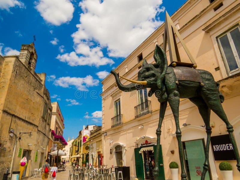 意大利马泰拉大象纪念碑 免版税库存照片