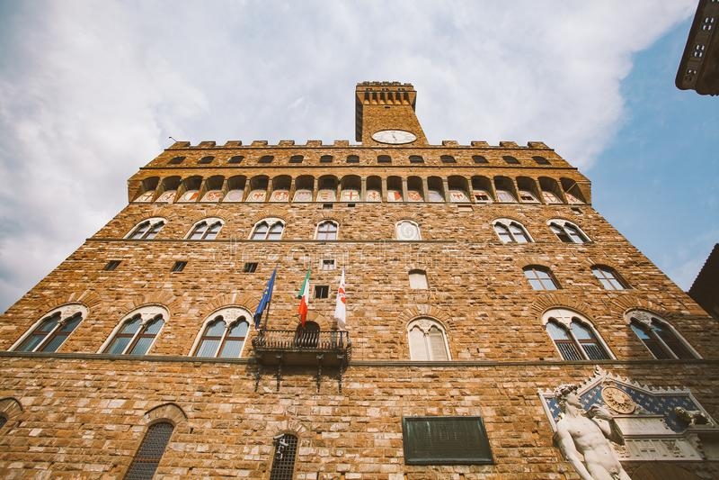 意大利,佛罗伦萨, 2013年7月19日:海王星著名喷泉在广场della Signoria的在佛罗伦萨,意大利 库存照片