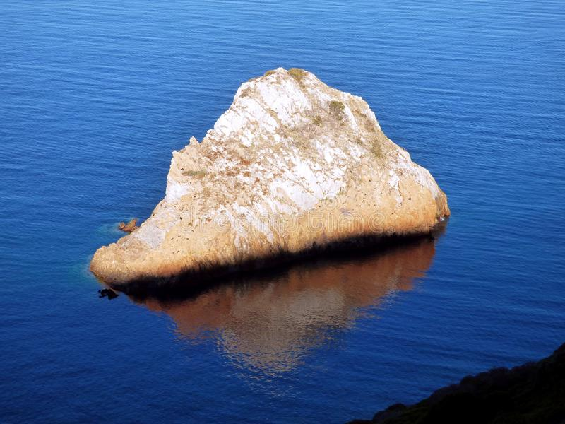 意大利,撒丁岛,在海的全景晃动de il Morto l ` Agusteri 免版税图库摄影