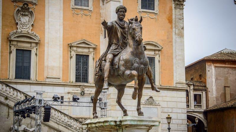 意大利,罗马,马尔库斯・奥列里乌斯骑马雕象的复制品  免版税库存照片