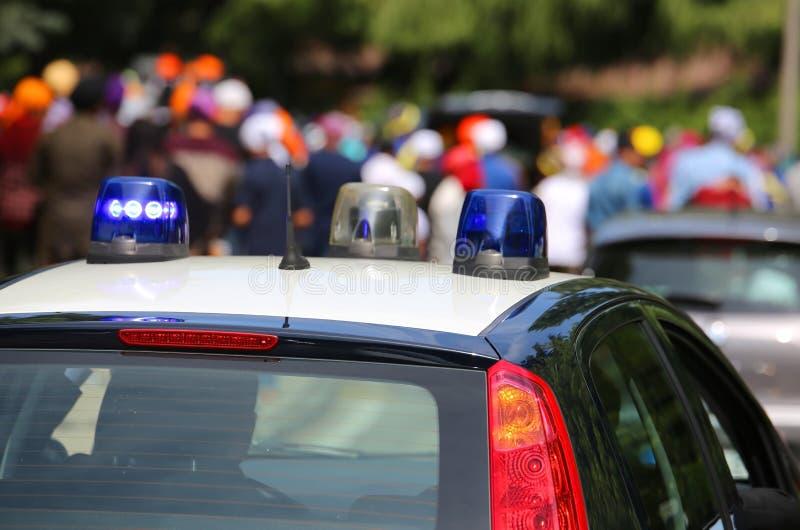 意大利Carabinieri警察的汽车在分裂的在期间 库存照片