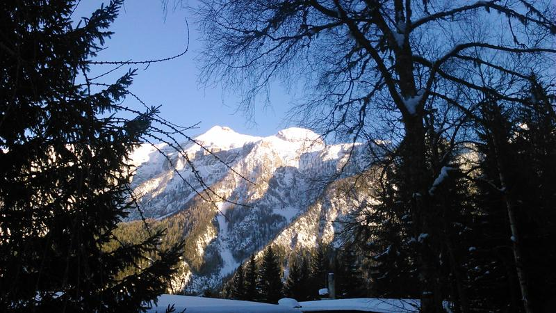 意大利dolomits,skying的假日在阿尔卑斯,trento 免版税库存图片