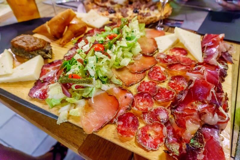 意大利salumi肉盛肉盘 库存图片