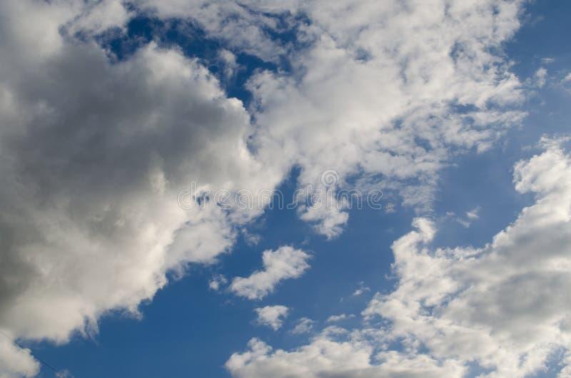 意想不到的cloudscape 多云纹理 免版税库存照片