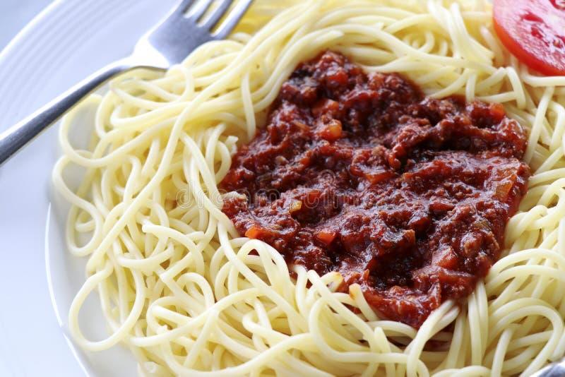 意粉用西红柿酱和肉末 免版税库存图片