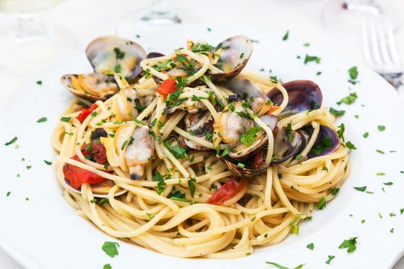 意粉alle vongole在西西里人的餐馆 免版税图库摄影
